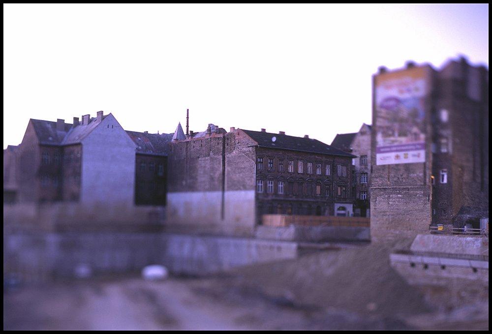 009-peterildiko-corvin-szigony-01.jpg